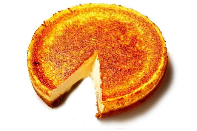 La tarta de queso cremosa de Alex Cordbés se elabora al horno y de forma artesana.
