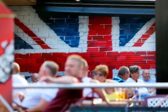 Reino Unido abre sus fronteras al pasaporte Covid de la UE