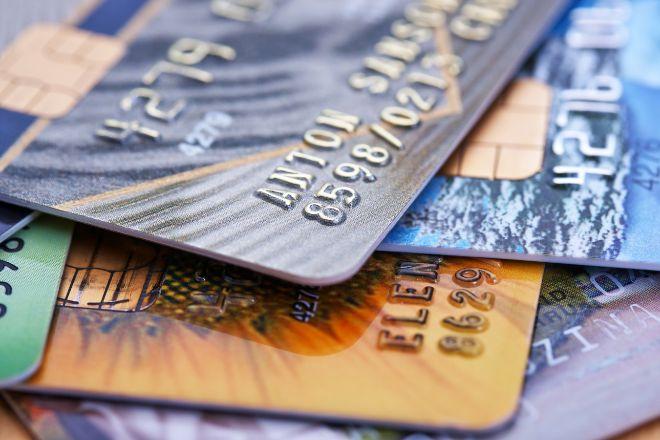 El alto coste de las tarjetas 'revolving'