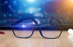 Gafas con filtro para la luz azul: ¿son realmente útiles o solo una moda?