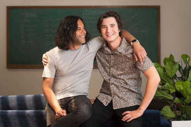 Vladimir Tenev y Baiju Bhatt, fundadores del bróker online Robinhood.