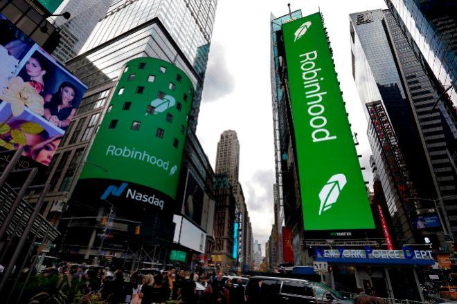 Publicidad anunciando el debut de Robinhood en Bolsa