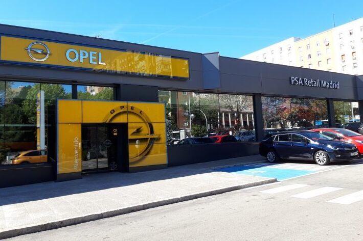 Concesionario de Stellantis en Doctor Esquerdo, Madrid. PSA Retail, Citroën, Opel, Peugeot, DS.