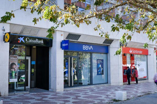 """El Gobierno trabaja con la banca para asegurar la """"cobertura adecuada"""" de los servicios financieros en todo el país"""