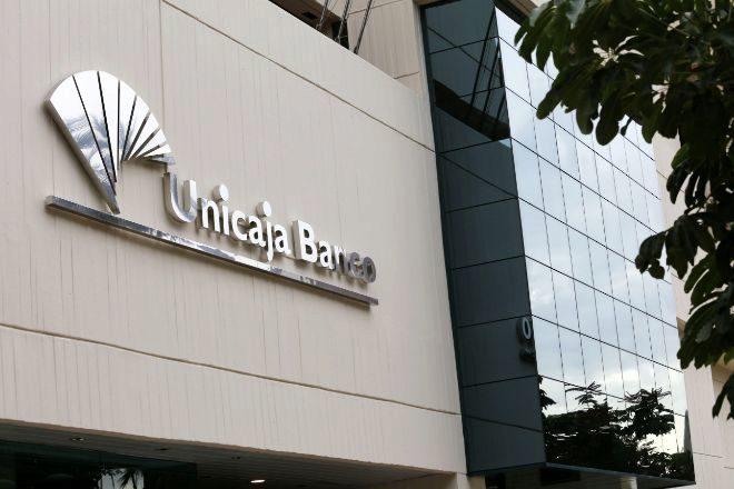 La nueva Unicaja se estrena en el parqué español.