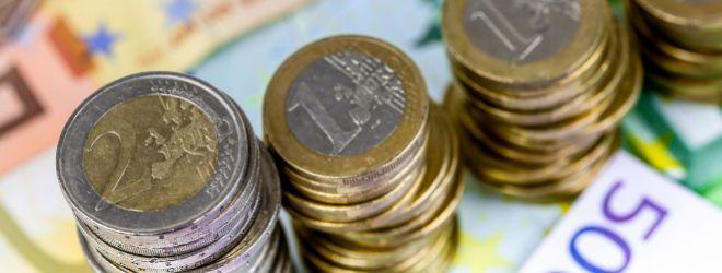 ¿Qué cinco grupos se reparten la mitad del ahorro de los españoles en fondos y planes de pensiones?