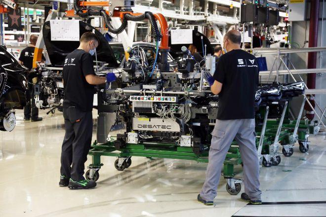 La industria -en la foto, una imagen de la planta de Seat en Martorell (Baix Llobregat, Barcelona)- es el sector que más ha crecido en Catalunya.