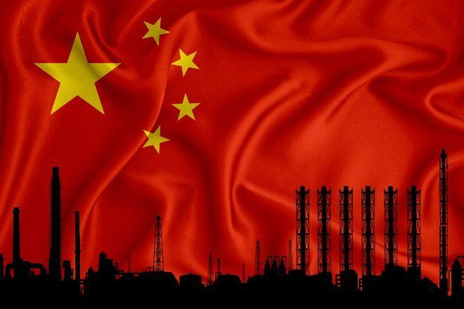 Ilustración de fábricas con la bandera de China