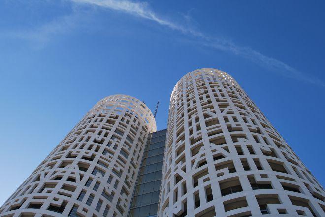 Torres de Hércules, un proyecto creado por Rafael de La-Hoz en Algeciras y desarrollado por Nyesa.