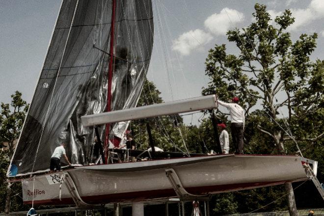 "Llegada al puerto del ""Libera Raffica"", nave húngara, ganadora de la Bol dOr Mirabaud en monocascos en 2021."