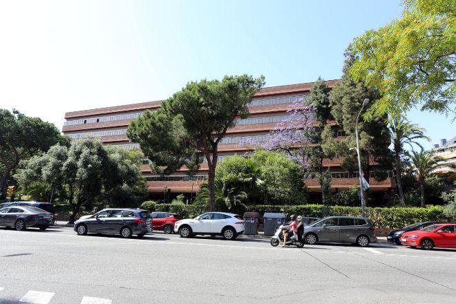La sede del departamento de Educación, en Via Augusta, 202, en Barcelona, es uno de los activos de la cartera Pentagon.