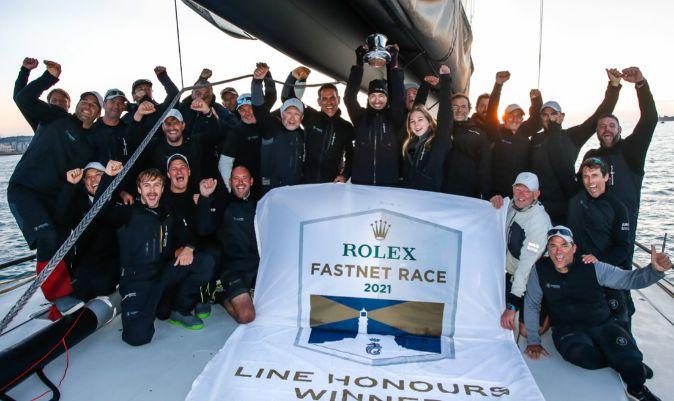 La tripulación del Skorpios celebra el triunfo.   P.W. / RORC