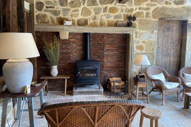 Salón de lectura para huéspedes a la entrada de OAR cottage.
