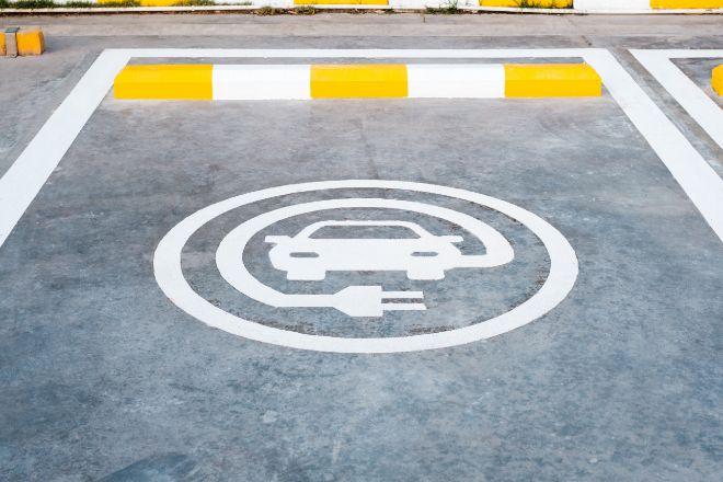 Las marcas hacen los deberes y muchas de ellas sólo venderán vehículos eléctricos en 2030