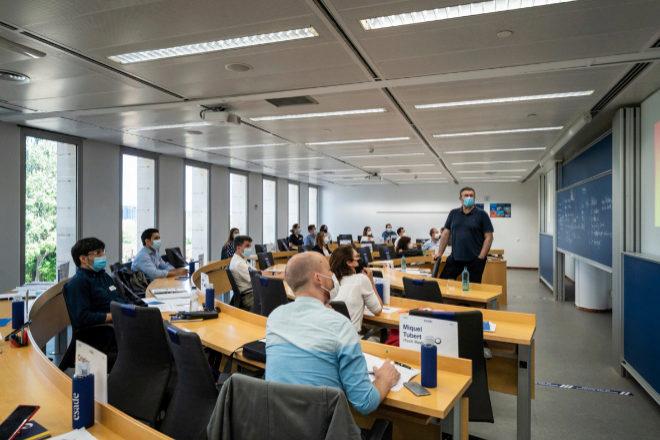 El nuevo curso académico combinará la enseñanza presencial con la online.