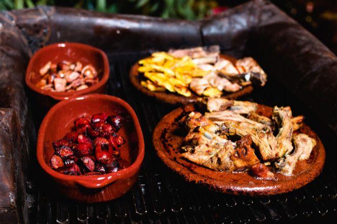 La receta de la feijoada tradicional brasileña se prepara y se sirve todos los sábados de invierno en Rubaiyat.