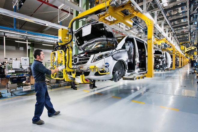 Cadena de montaje de Mercedes en la factoría de Vitoria.