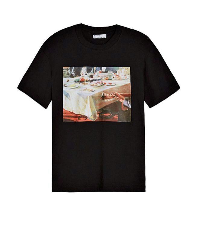 Camiseta con print fotográfico, 17,99 euros.