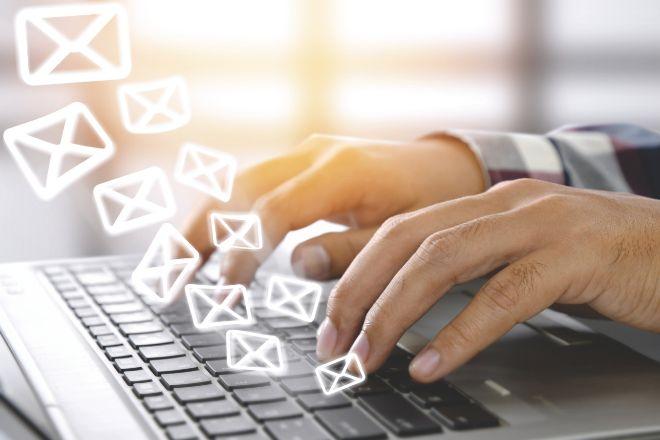 Multa de 4.000 euros por enviar un correo comercial a más de 400 personas sin autorización ni copia oculta