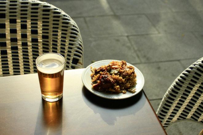 Tapa de paella El Paller, la mejor socia para una caña.