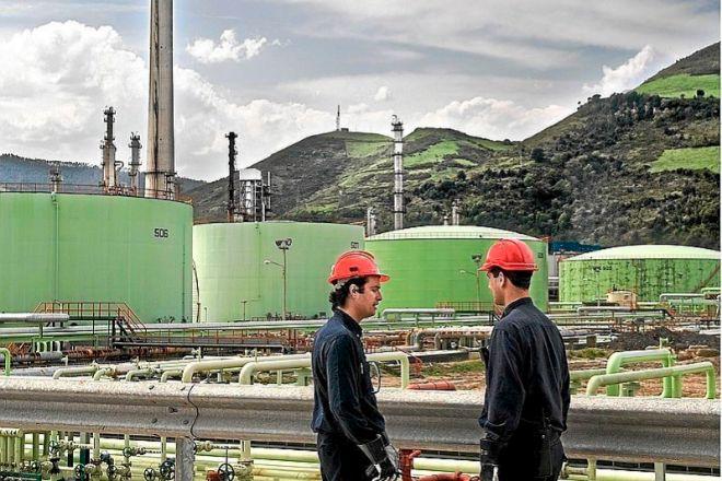 Petronor vuelve a la actividad en toda la refinería