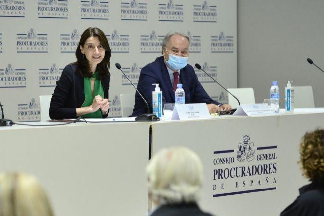 Pilar Llop participa en el pleno extraordinario del Consejo General de Procuradores