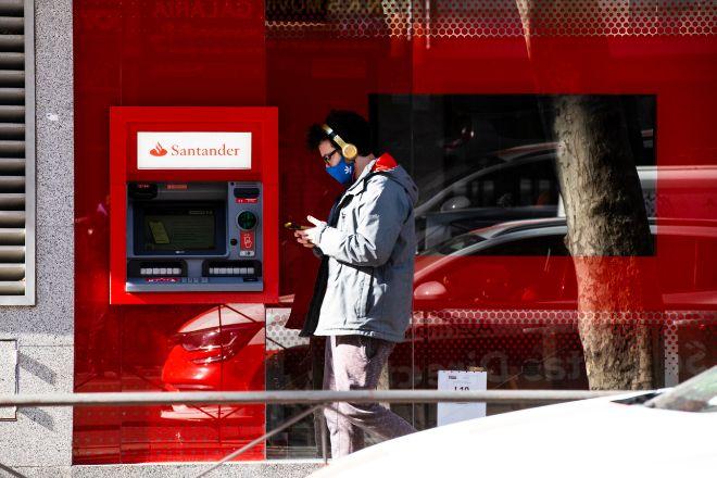 Se calcula que los clientes digitales cuestan a las entidades trece veces menos que los tradicionales.