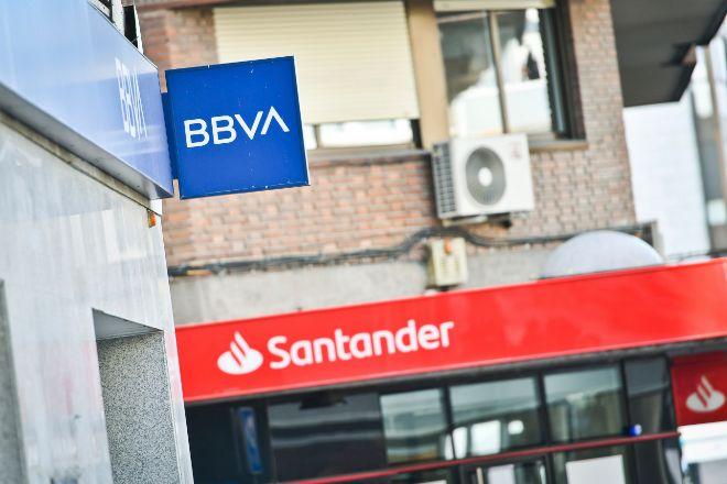 Sucursales de BBVA y Santander