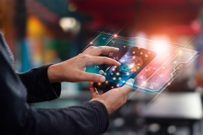 El sueldo de los 55 perfiles más buscados en IT, 'telecos' e industria