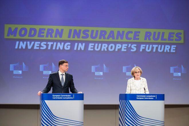 Bruselas libera 120.000 millones a las aseguradoras europeas para invertir