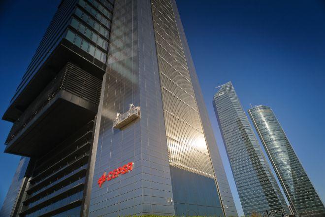 Los ascensores de la Torre Foster, el edificio más alto de España, son de Zardoya Otis.