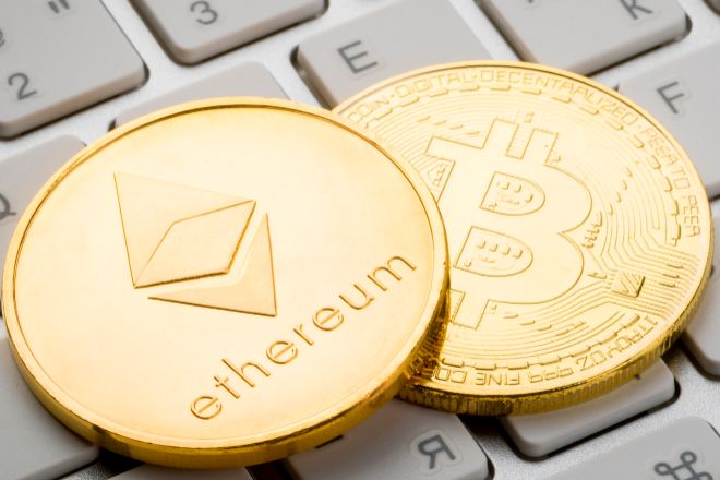 Monedas de ethereum y bitcoin