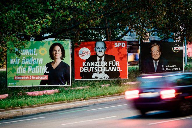 Carteles electorales en las calles de Berlín.