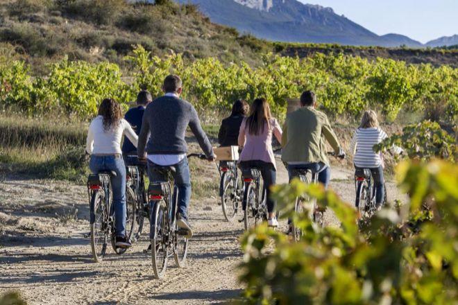 En bicicleta para entender el concepto que define a izadi