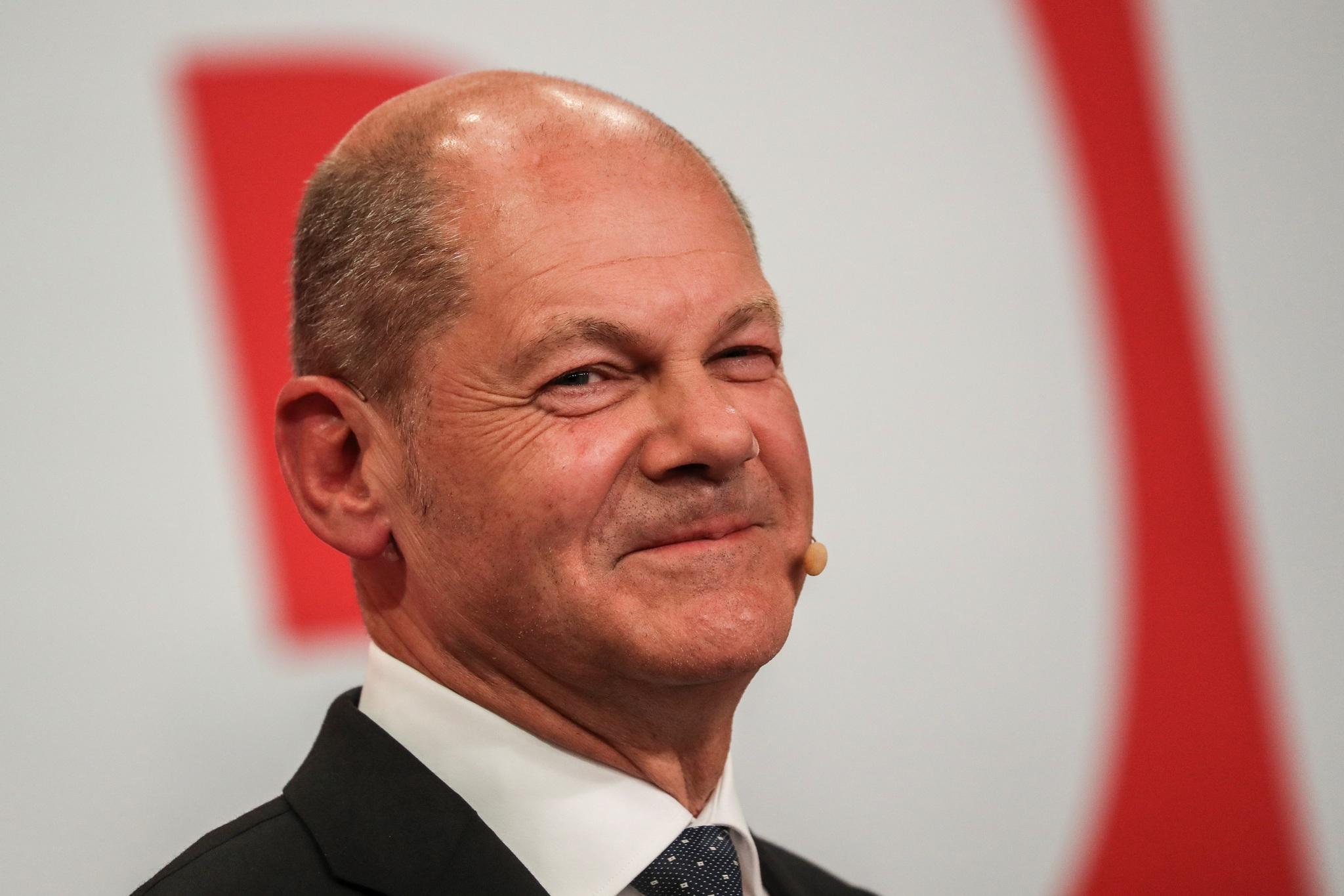 El candidato socialdemócrata Olaf Scholz logró una ajustada victoria en las elecciones alemanas frente a su rival, el democristiano, Armin Laschet.
