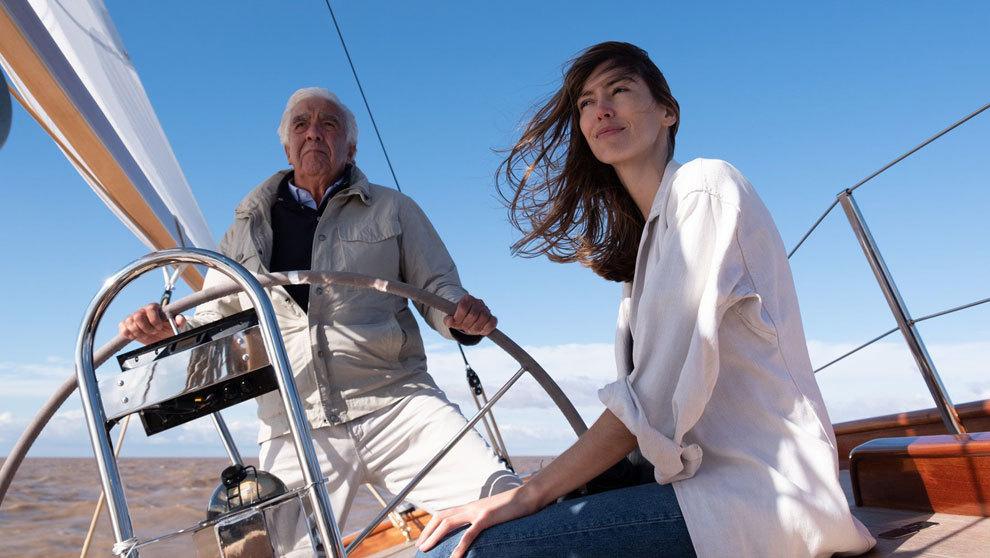 Germán y Zelmira Frers navegando a bordo de la embarcación Recluta.
