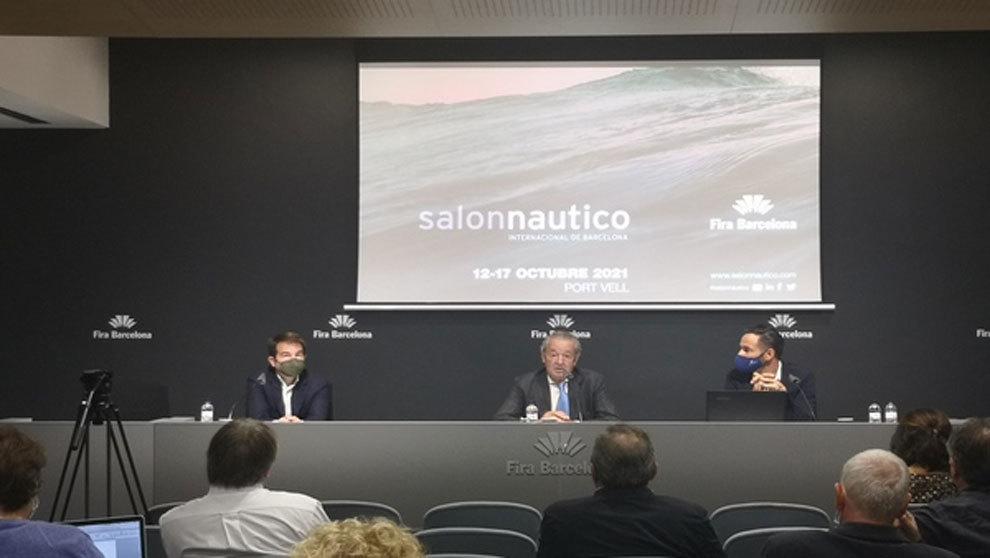 Carlos Sanlorenzo, Luis Conde y Josep Antoni Llopart, durante la...
