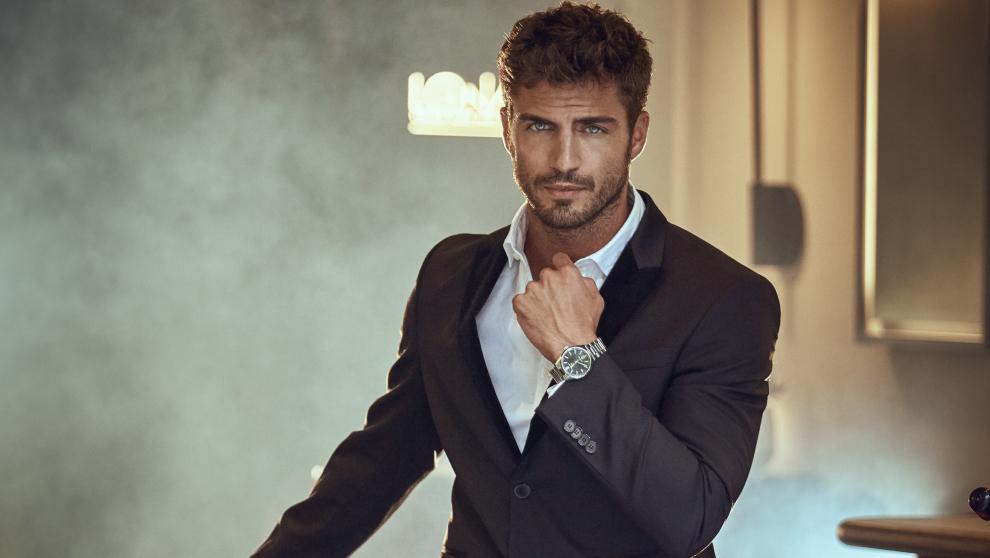 El actor Maxi Iglesias en portada de El Gran Otoño de Fuera de Serie.