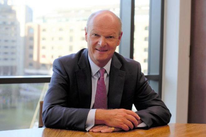 Laurence Hollingworth, de 63 años de edad, trabajó durante 37 años para JPMorgan en la City.