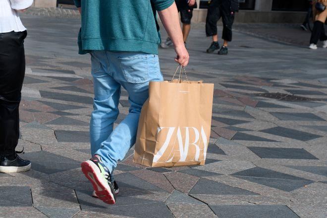 Zara y el resto de sus marcas cobrarán por las bolsas.