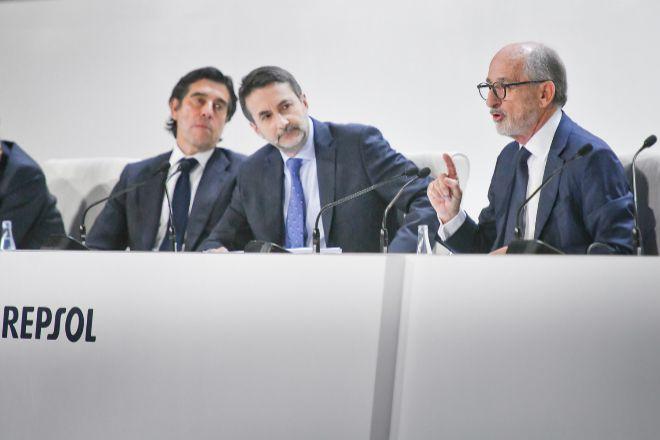 Hoy se ha producido un cambio sin precedentes en el accionariado de Repsol. Por primera vez en su historia, sus máximos accionistas ya no son españoles.