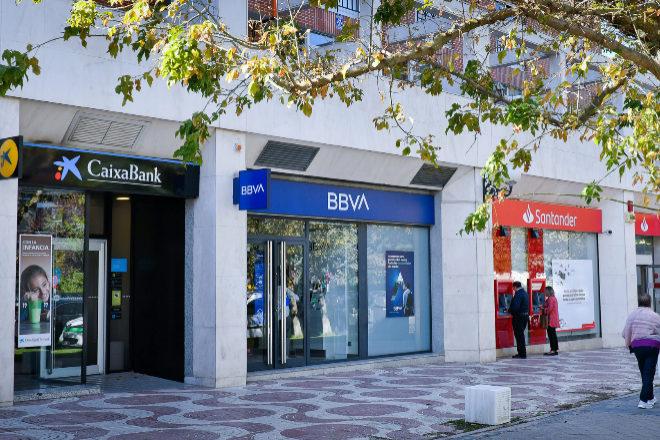 CaixaBank, Santander y BBVA dan hasta un 6% para captar pensiones