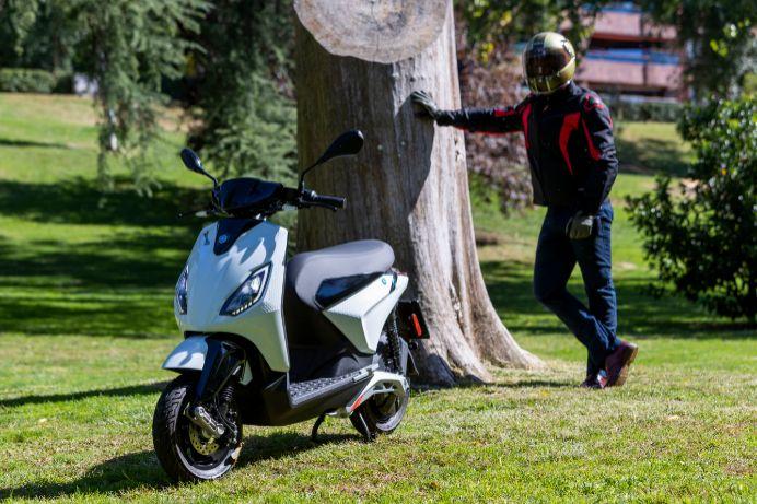 Piaggio 1, por fin un ciclomotor eléctrico económico de una marca 'top'