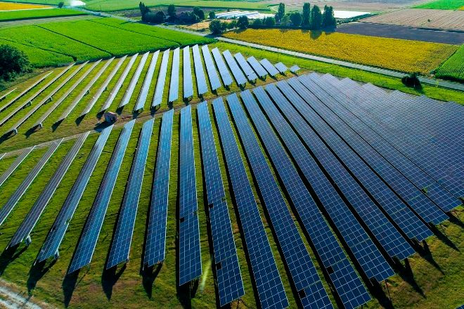 Doctor Energy es una empresa especializada en la instalación de sistemas de energía renovable, fotovoltaica y puntos de carga de vehículo eléctrico para empresas y particulares.