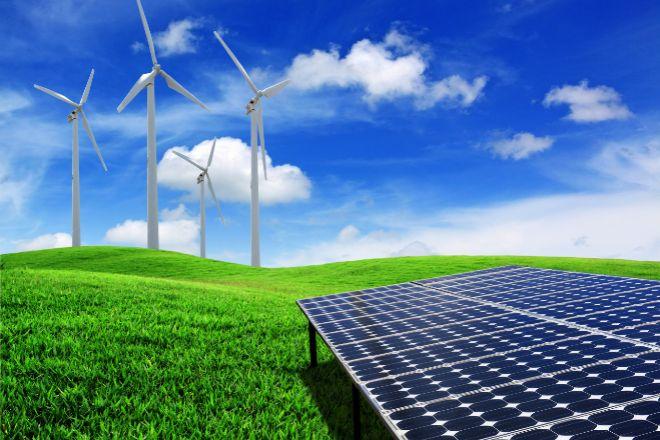 La subasta de renovables pone a prueba la guerra de Iberdrola, Endesa y Naturgy con el Gobierno