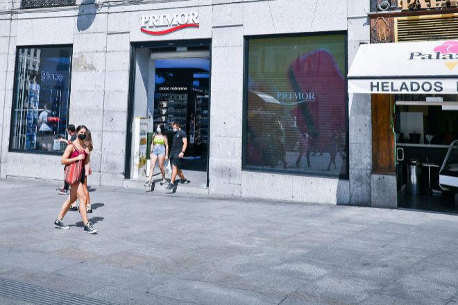 Comercios en la madrileña Puerta del Sol.