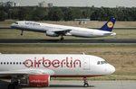 La Justicia europea avala la compra de activos de Air Berlin por easyJet y Lufthansa