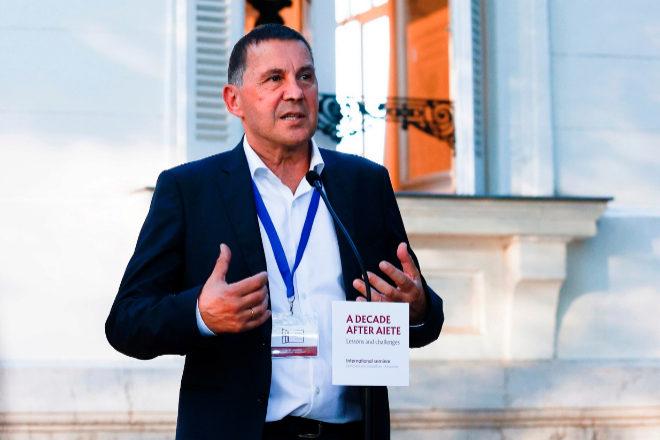 Arnaldo Otegi, en su intervención en el Palacio de Aiete.