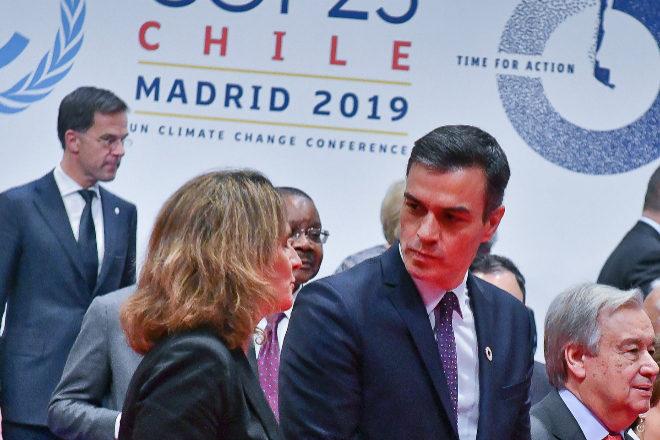 El presidente Pedro Sánchez y la vicepresidenta Teresa Ribera, durante la celebración de la COP 25 en Madrid.