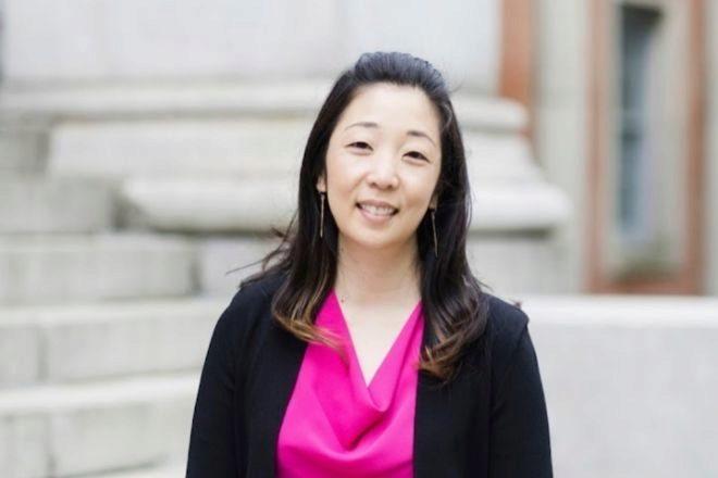 Michelle Weise es vicerrectora del Sistema Nacional de Universidades de Estados Unidos. Es autora de 'Long-life learning: preparing for jobs that don't even exist yet', y está en el 'Top 30' mundial de 'Thinkers50', entre los pensadores sobre gestión y liderazgo más destacados. Dirige además la Oficina de Innovación de Sandbox ColLABorative, el laboratorio de investigación y desarrollo de estrategia e innovación en Southern New Hampshire University, y es directora de innovación en Strada Education Network.